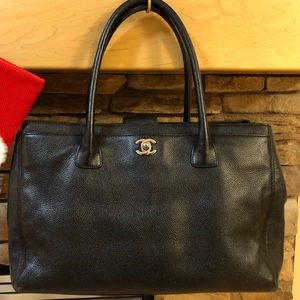 CHANEL Bags - Authentic Chanel executive cerf handbag